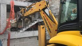 Peribacaları'ndaki otelin yıkımına başlandı!