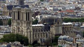 Notre Dame için çılgın projelere izin çıkmadı