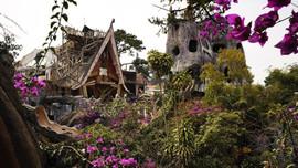 Vietnam'daki 'Çılgın Ev' turist akınına uğruyor