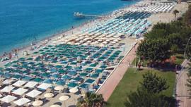 Halk plajları da lüks otellerin mi oluyor?