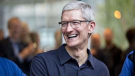 Apple'ın CEO'su milyarderler kulübüne girdi