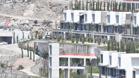 Bodrum'da kaçak yapıların yıkımı başladı