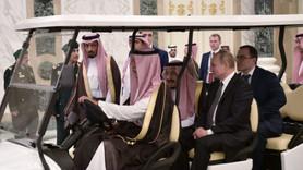 Putin ve Suudi Kral Abdülaziz anlaşmayı imzaladı