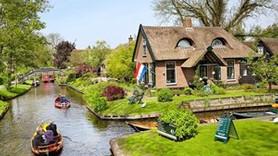 Masal değil bu köy gerçek! İşte Hollanda'nın Giethoorn Köyü