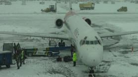 Buzlanmayı önleyen özel kum! İlk kez Atatürk Havalimanı'nda kullanılacak!