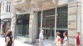 Eski halinden eser kalmadı! Dükkanlar boşaldı
