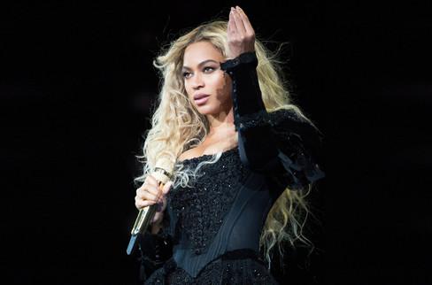 Ünlü şarkıcı 26 milyon dolara yazlık ev aldı