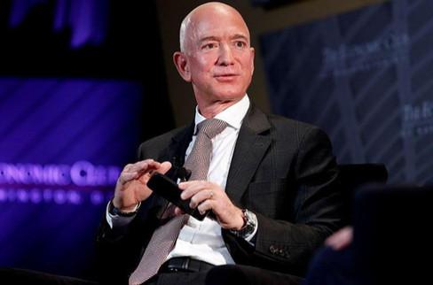 Jeff Bezos, Los Angeles'ın en pahalı evini aldı