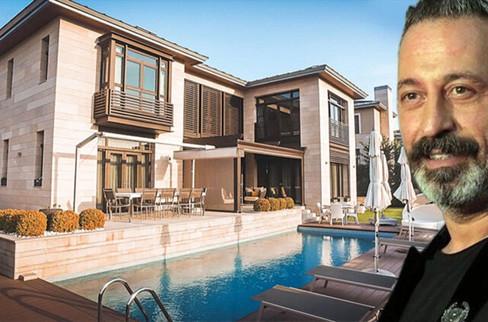 Cem Yılmaz Zekeriyaköy'deki villasını satıyor