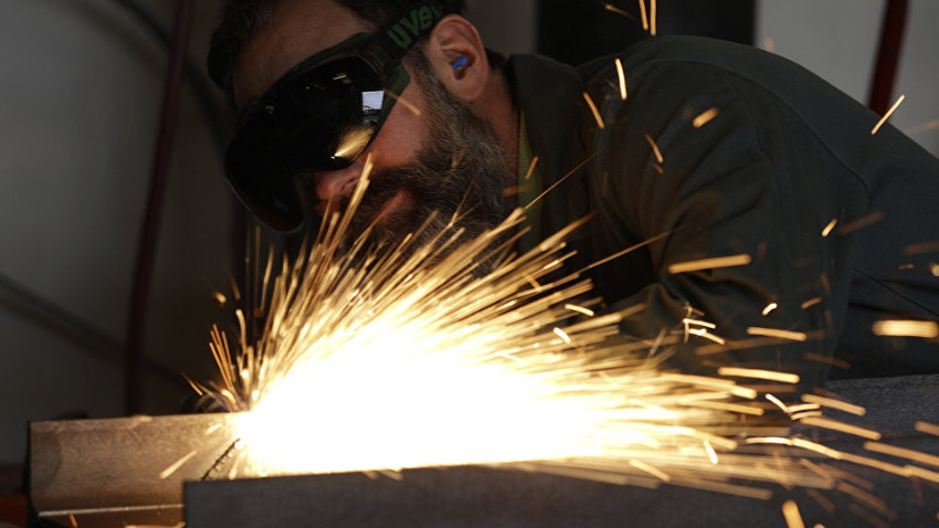 Sanayi üretimi yüzde 2.2 azaldı
