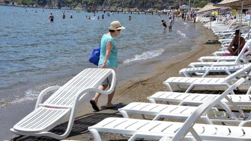 Halk plajlarındaki şezlonglar kaldırılıyor