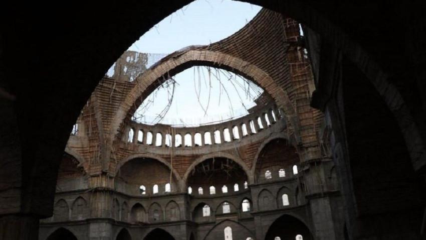 Türkiye'nin 2. büyük camisinde iskele faciası! İnşaat mühendisi enkaz altında