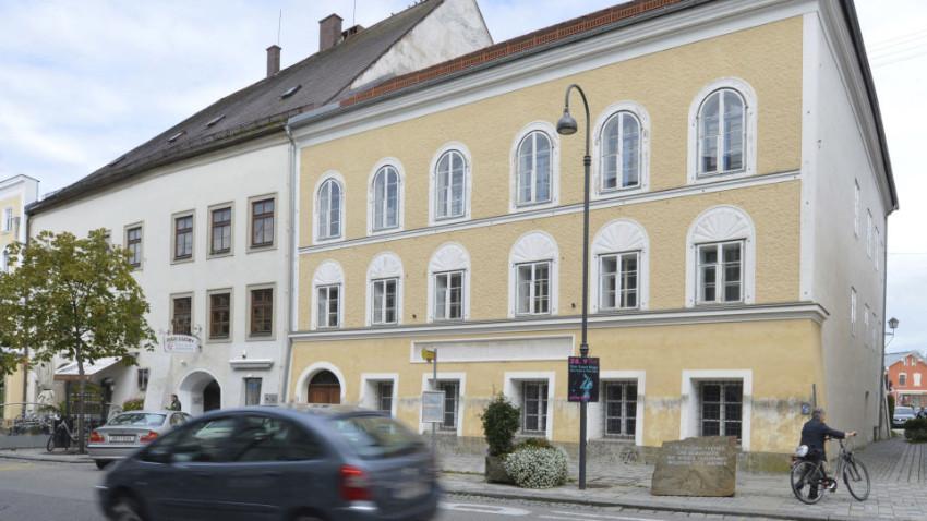 Hitler'in doğduğu ev polis merkezi olacak!