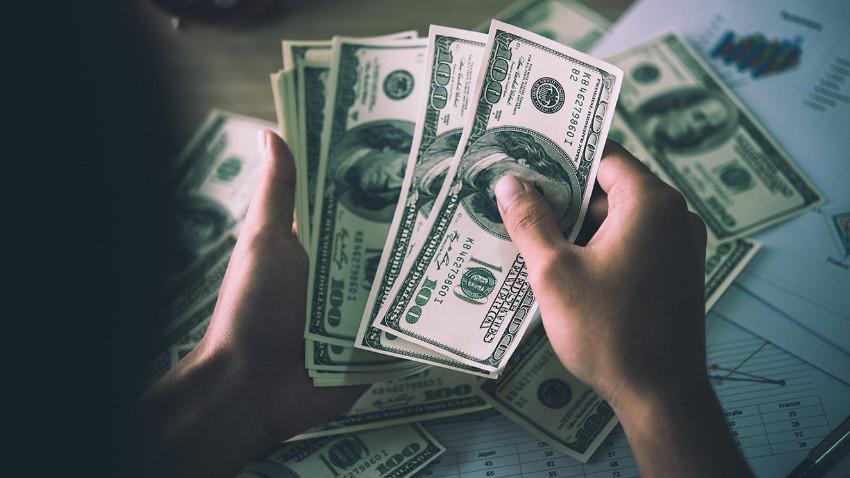 Dolar haftaya yine 6.10 üstünde başladı