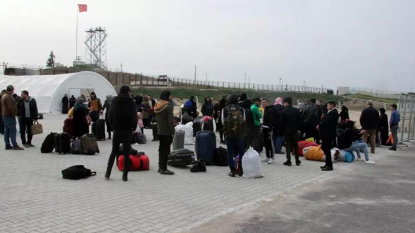 Suriyelilerin ülkelerine geçişleri durduruldu