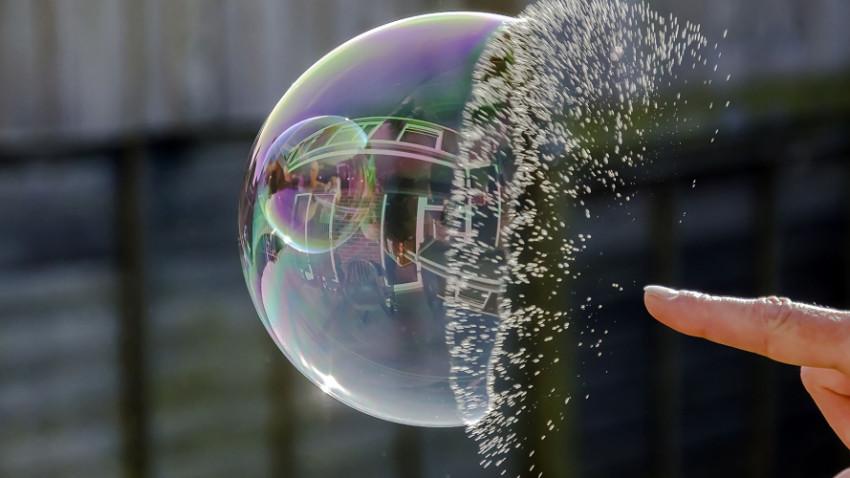 Virüsle birlikte balon patladı, iflaslar yolda