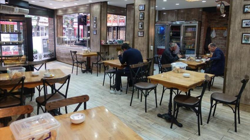 Restoran ve kafeler yeniden açıldı