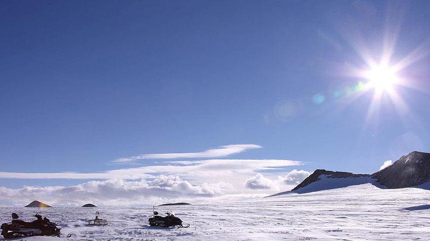 Antarktika üzerindeki ozon deliği son yılların en büyüğü
