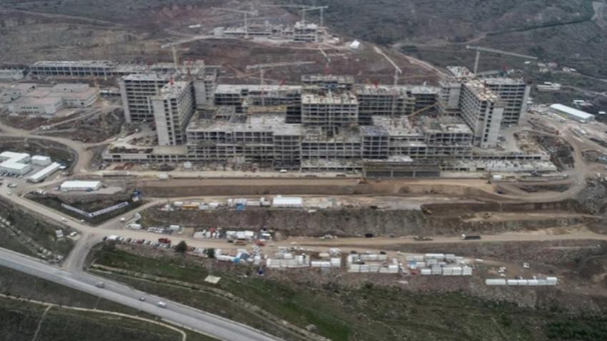 İzmir deprem konutlarının yeri belli oldu! Bakan açıkladı...