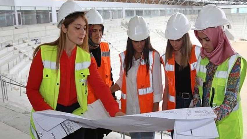 İzmir'de inşaat mühendisi kadınlara destek! Beyaz baretli kadınlar projesi başladı