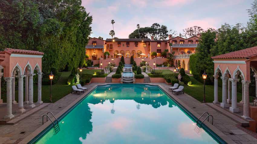 The Beverly House satılıyor... Ünlü malikanenin fiyatı dudak uçuklattı