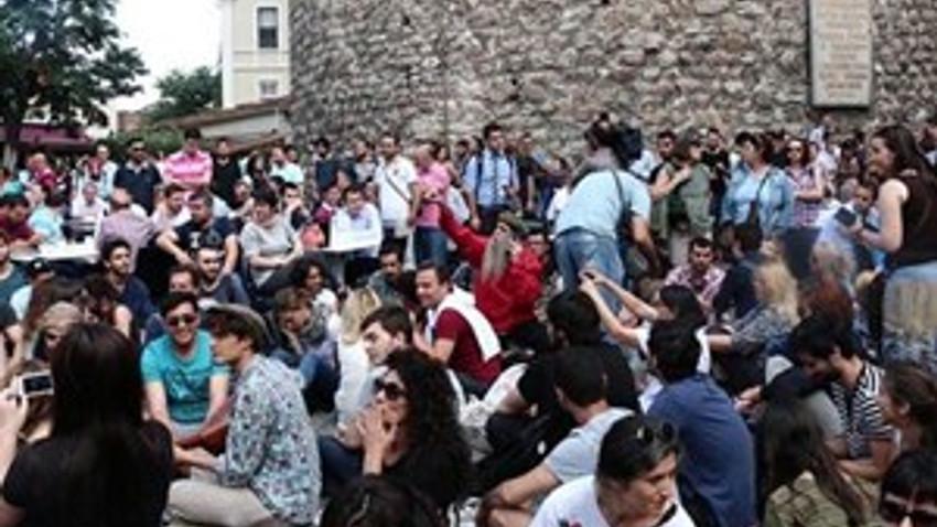 Galata Kulesi'nin dibine çay bahçesi isyanı