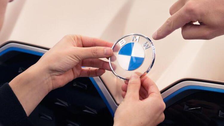 BMW 23 yıl sonra logosunu değiştirdi - Sayfa 2