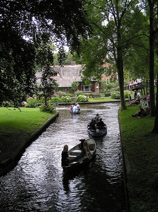 Hollanda'da masalları andıran Giethoorn Köyü - Sayfa 4